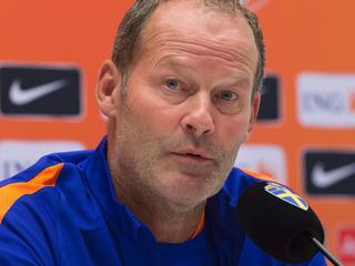 Bondscoach geeft Sneijder waarschijnlijk andere rol in WK-kwalificatieduel