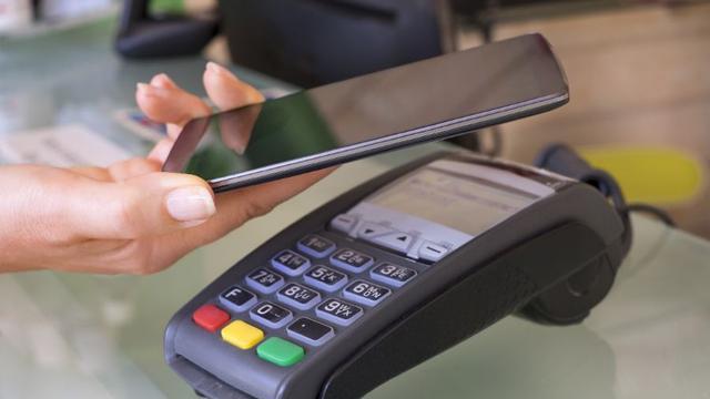 Is contactloos betalen (on)veilig?