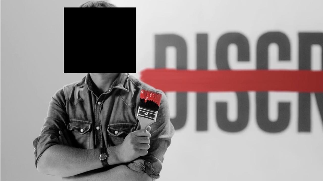 Giel Beelen onherkenbaar gemaakt in anti-discriminatiefilmpje