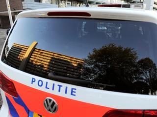 De Golf heeft aan de rechtervoorzijde schade, meldt de politie in een Burgernetbericht