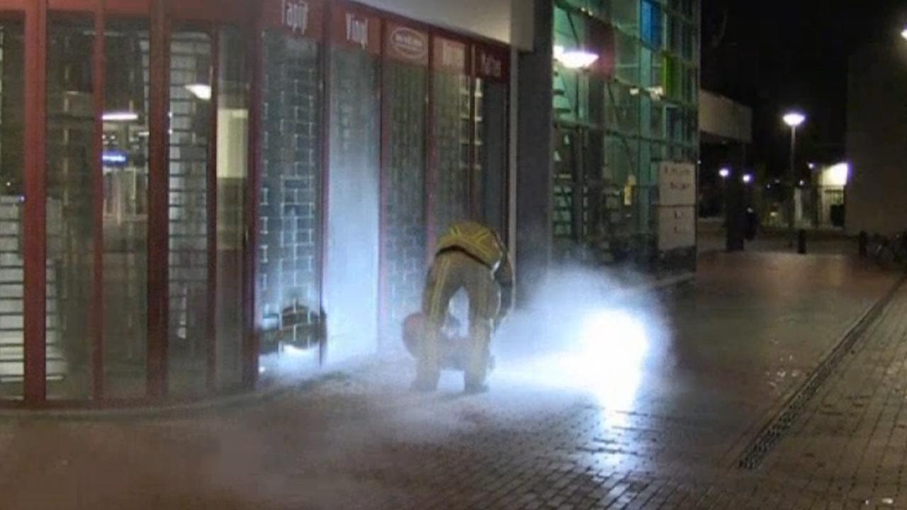 Brandweer in actie bij fotowinkel Reigersbos
