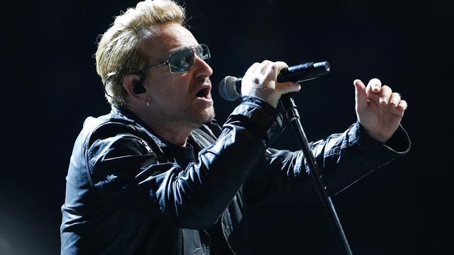 Bono noemt humor sterk wapen om IS te bestrijden