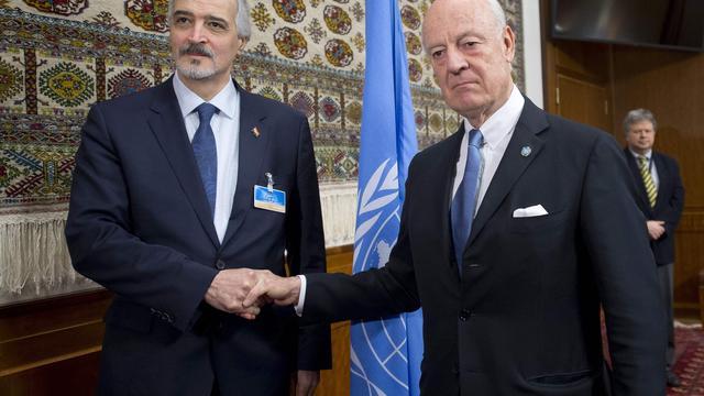 Oppositie besluit alsnog naar vredesgesprekken Syrië te komen