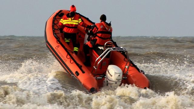 Drie leden Reddingsbrigade zelf gered na kapseizen boot
