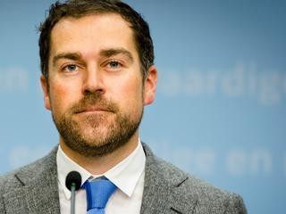Gros van vluchtelingen klaagt niet, volgens staatssecretaris