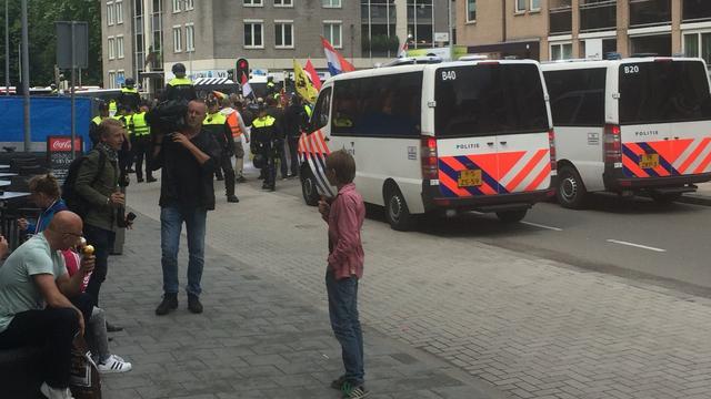 Betogers tegen Pegida in Breda aangehouden door politie