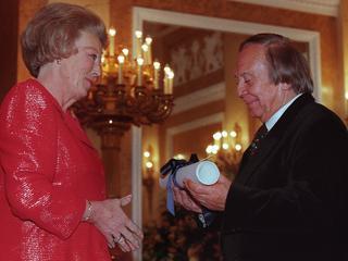Schrijver ontving in 1998 de Prijs der Nederlandse Letteren