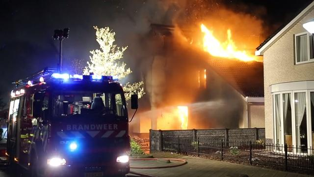 Villa verwoest door brand na 'aanslag' Etten-Leur