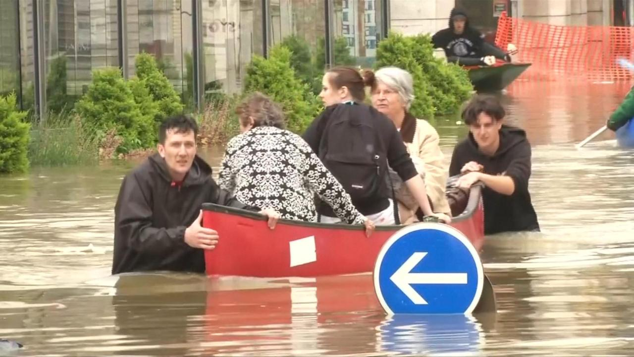 Duizenden Fransen geëvacueerd