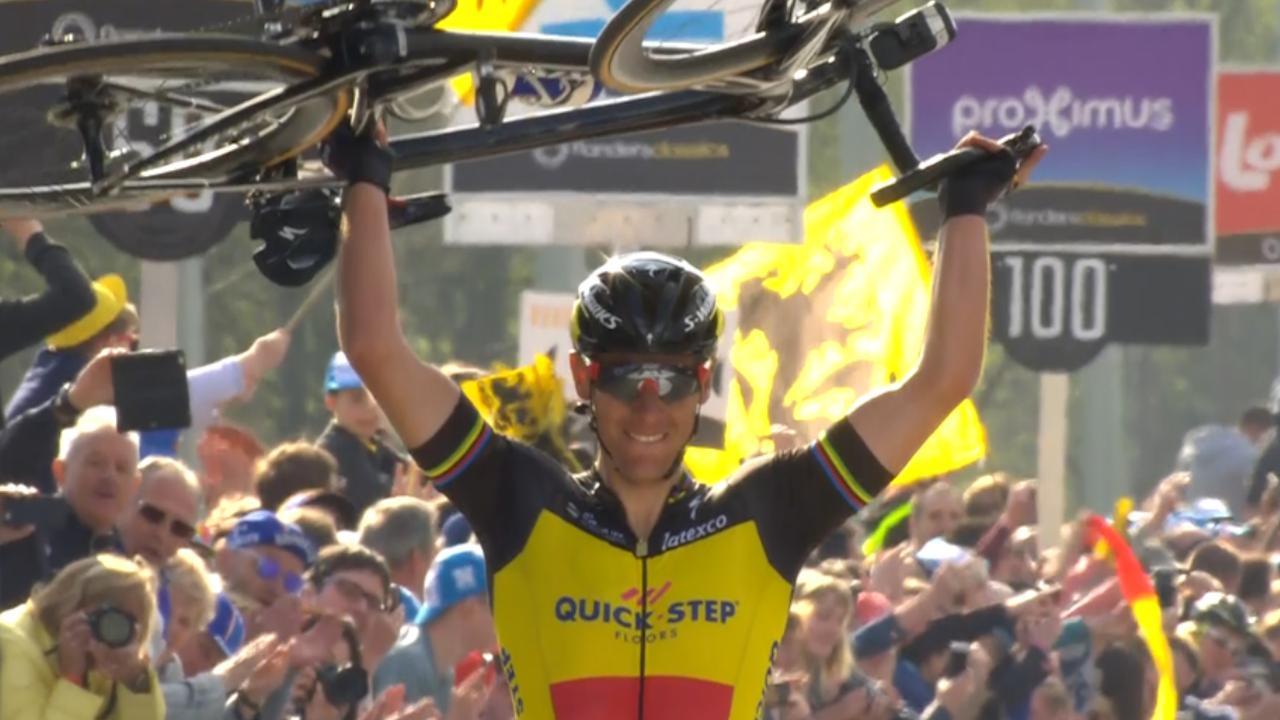 Gilbert wint Ronde van Vlaanderen na indrukwekkende solo van 60 kilometer