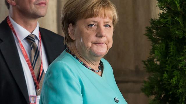 Merkel noemt verlies CDU bij deelstaatverkiezingen Berlijn 'bijzonder zuur'