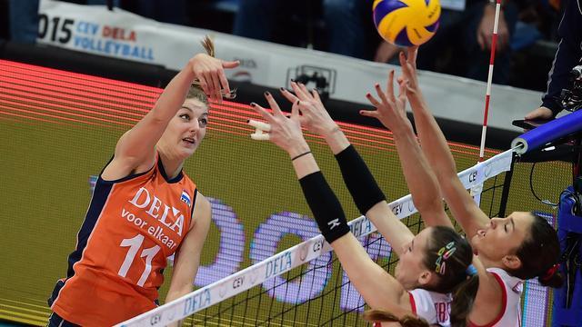 Buijs heeft door zilver op EK vertrouwen in OKT met volleybalsters