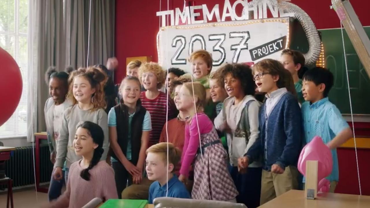 Bekijk de trailer van 'Mees Kees: Langs de lijn'