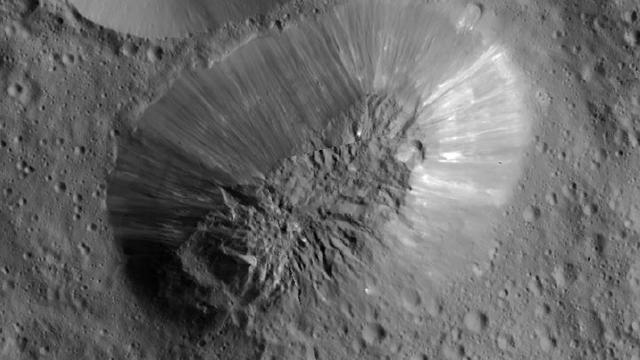 'Dwergplaneet Ceres heeft ijsvulkaan'