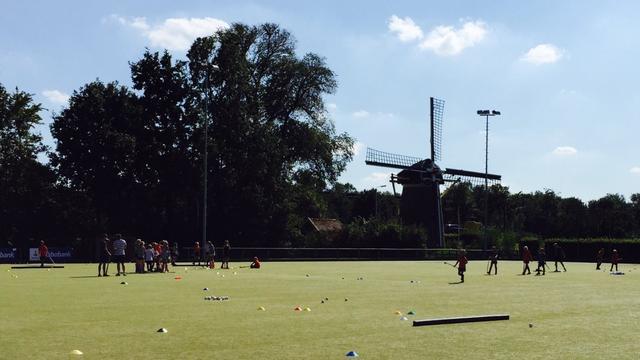 Hockeyclub Roomburg krijgt nieuw hoofdveld