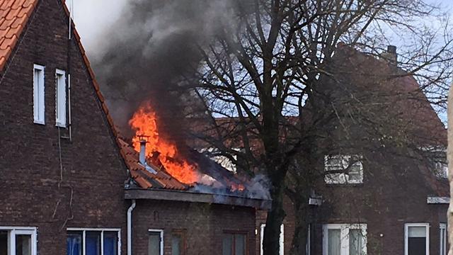 Grote woningbrand in woning Zuilen