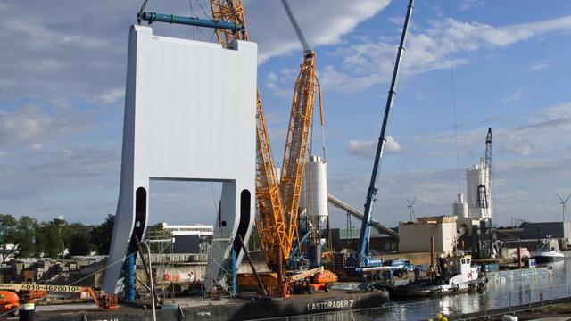 Tweede brugdek Maximabrug wordt volgende week geplaatst