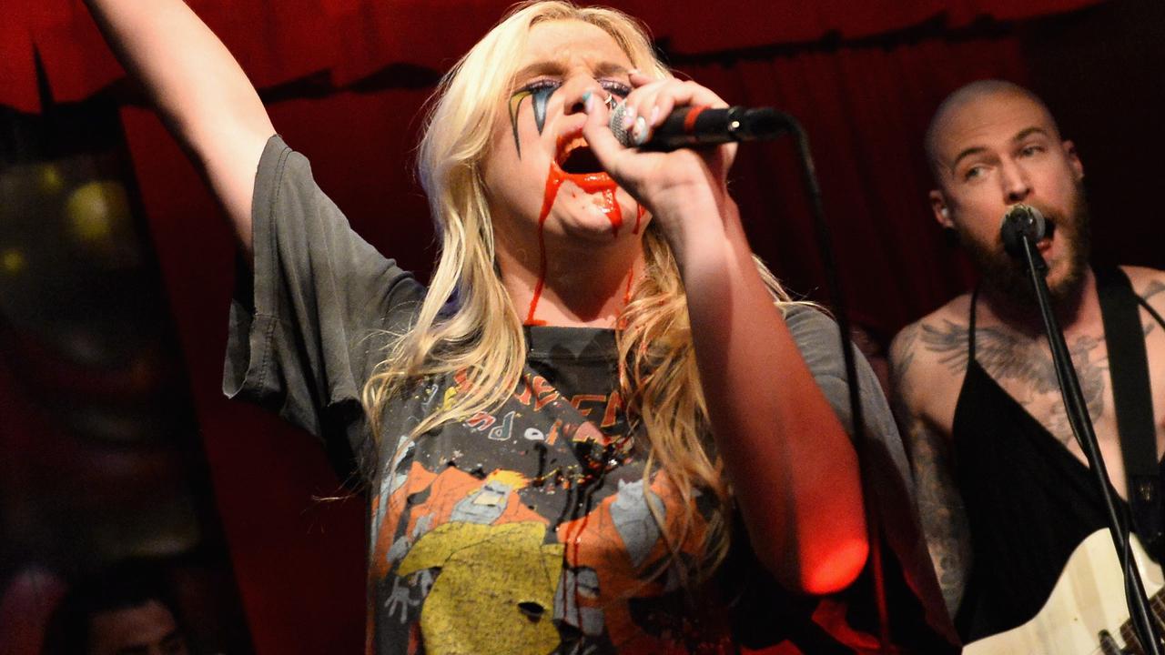 Kesha brengt nieuwe single 'True Colors' uit