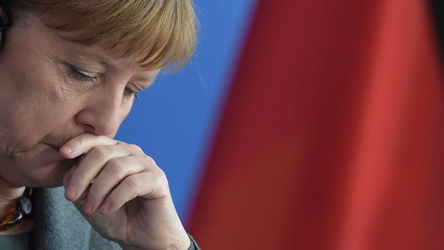 Merkel grijpt bezoek Obama aan voor organiseren overleg