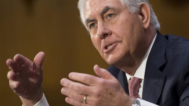 Tillerson ziet geen reden om economische sancties Rusland op te heffen