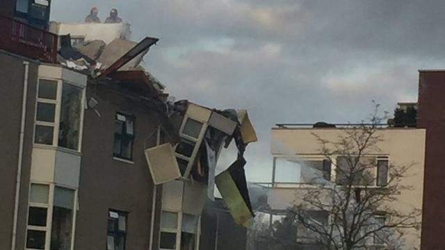 explosie-verwoest-appartement-in-flatgebouw-veendam.jpg