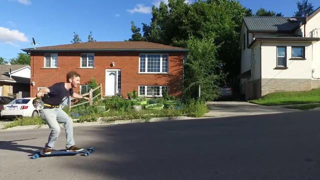 Youtuber gebruikt straalmotor bij het skateboarden