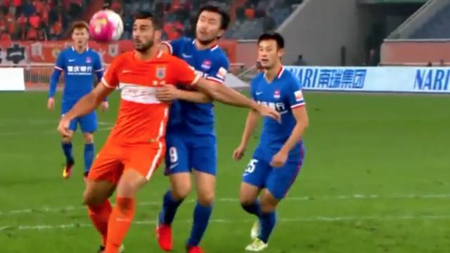 Pellè maakt wereldgoal voor Chinese club Shandong Luneng