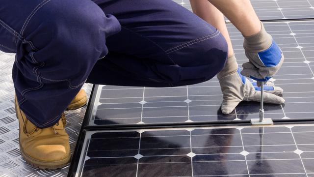 267 zonnepanelen op gemeentekantoor Langeroode