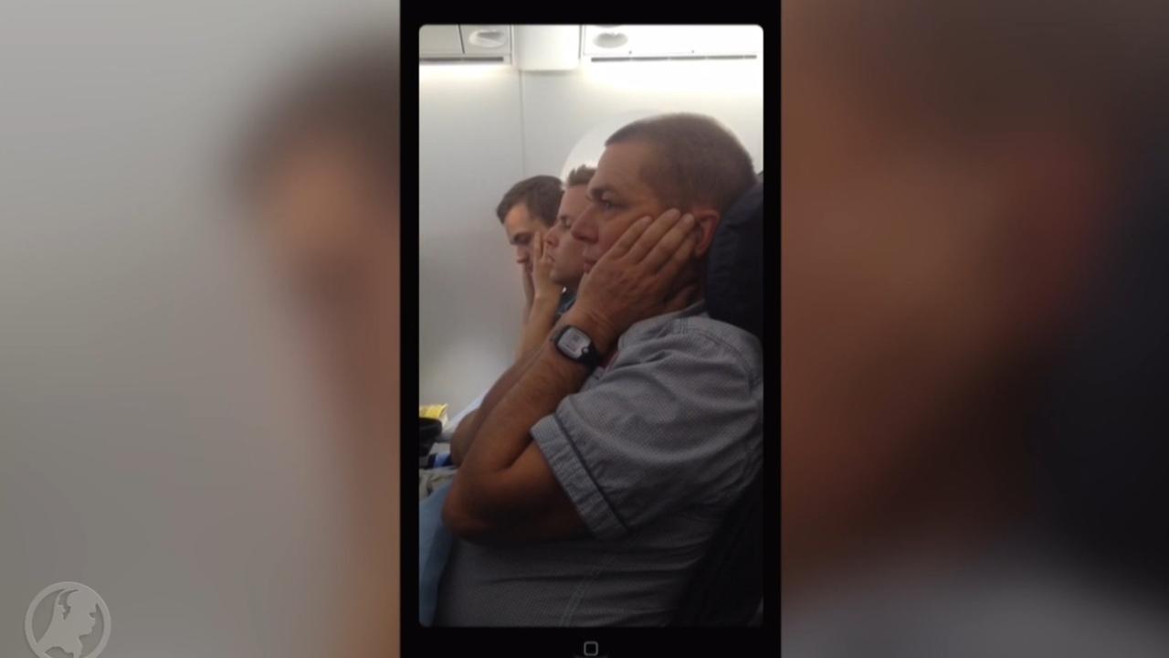 Vliegtuig maakt noodlanding om agressieve passagier