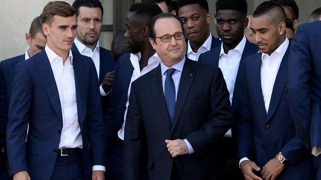 Fotoserie: Franse EK-spelers bezoeken president Hollande