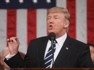 President haalt weer bakzeil voor 'discriminerende' plan