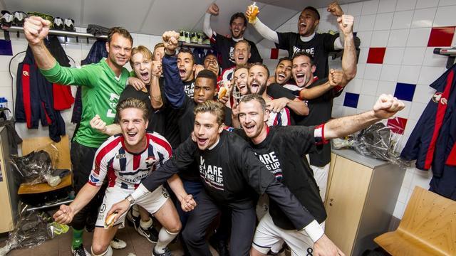 Video's: Go Ahead Eagles promoveert naar Eredivisie, Willem II klopt NAC