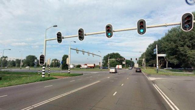 Breda plaatst multifunctionele flitspalen op Backer en Ruebweg