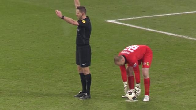 Van Boekel trekt penalty FC Utrecht in na terugkijken beelden