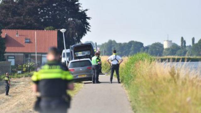 Politie treft lichaam aan in de Gouwe bij Boskoop