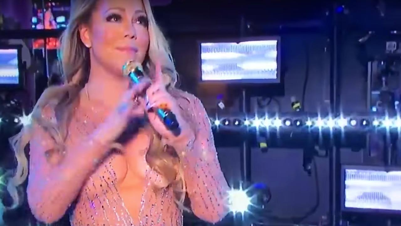 VIDEO Mariah Carey en body à laçage et tous seins