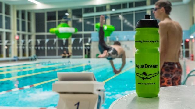 Zwemmarathon levert 1.000 euro op voor Spieren voor Spieren