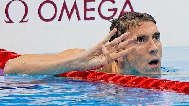 Phelps verovert 22e olympische titel dankzij zege op 200 meter wissel