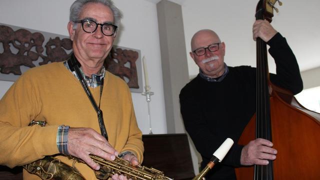 Jazzkwartet B-Swing treedt voor eerst op