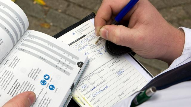 'Aantal boetes tegen verkeershufters door tijdgebrek gedaald'