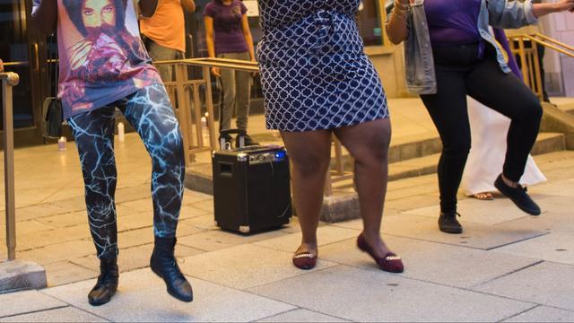 Wetenschappers onthullen aantrekkelijkste dansbewegingen voor vrouwen