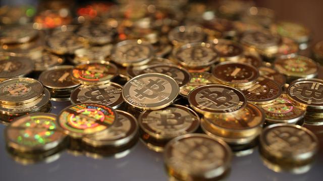'Hype rond cryptovaluta's zoals bitcoin lijkt op internetzeepbel'