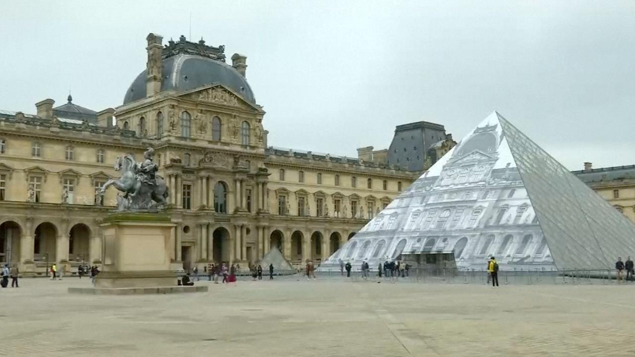 Louvre dicht door waterstand, bezoekers teleurgesteld