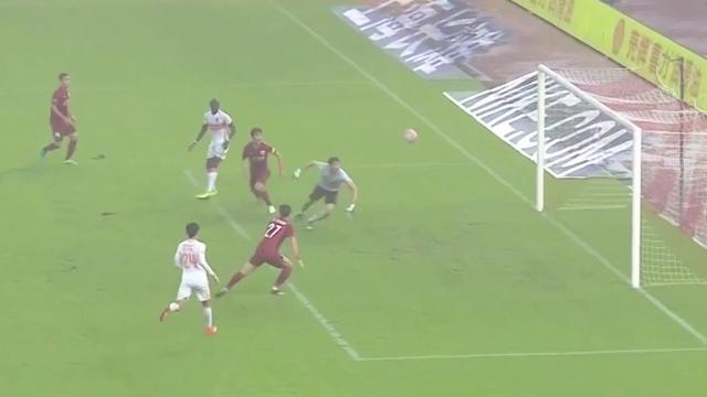 Cissé faalt bij schot op doel, maar scoort toch voor Chinese Shandong