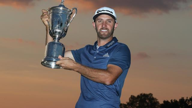 Golfer Dustin Johnson wint US Open ondanks strafslag