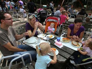 'Restaurant Burgers' Zoo hoeft 75 procent minder eten weg te gooien'