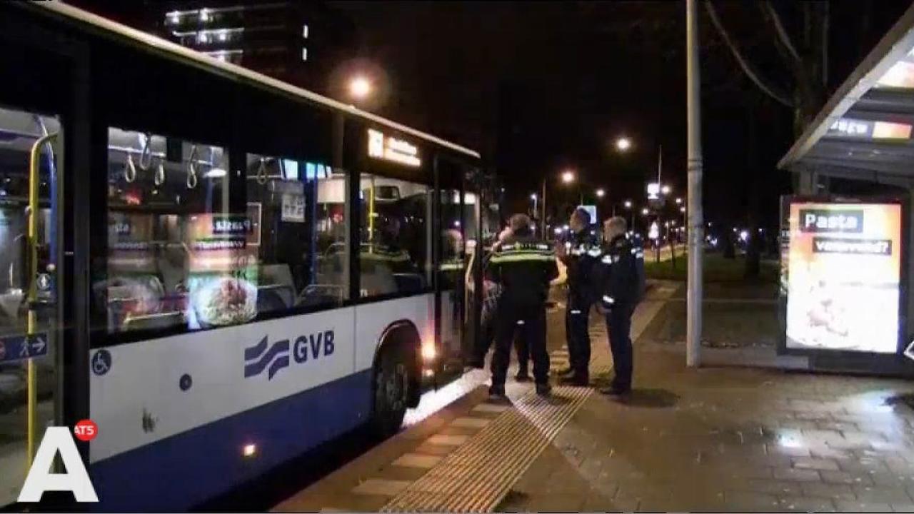 Straks alleen nog pinnen in bus en tram