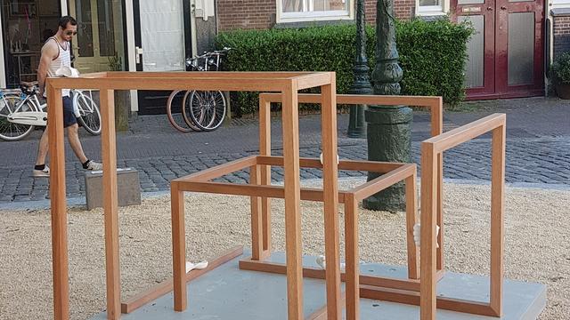 Vernield kunstwerk Beelden in Leiden hersteld