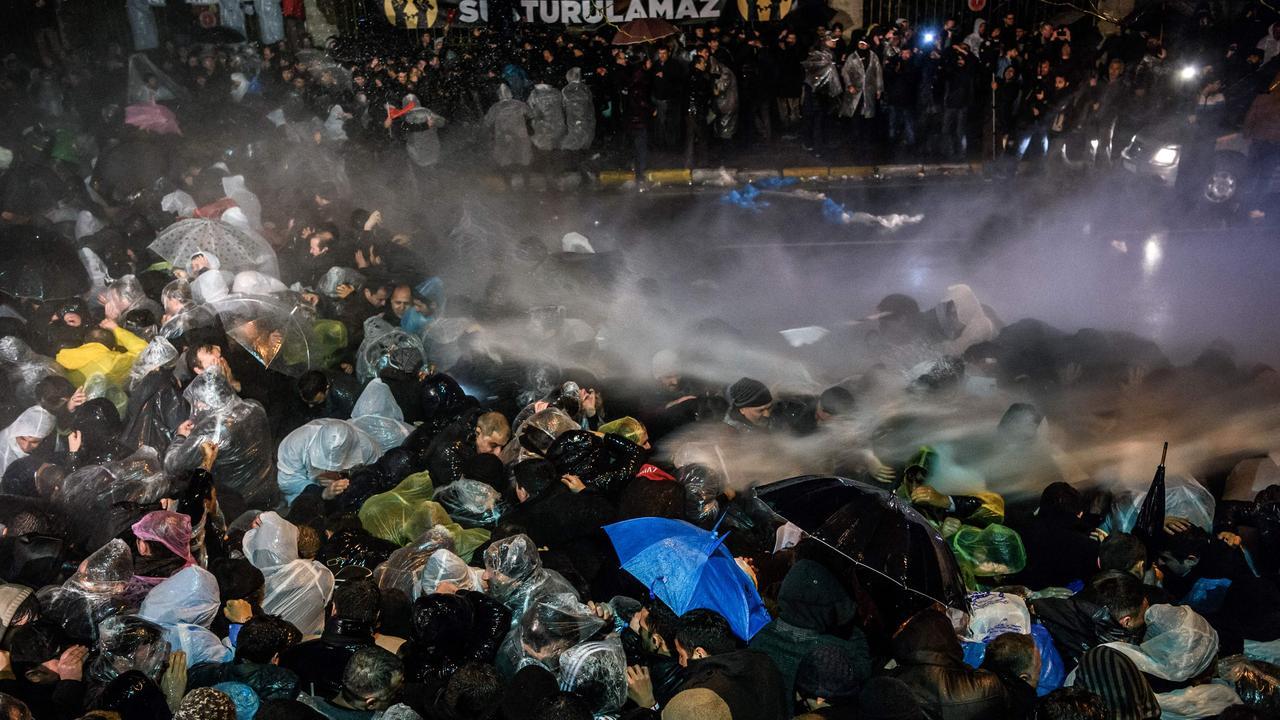 Rellen bij Turkse krant Zaman vanwege overname
