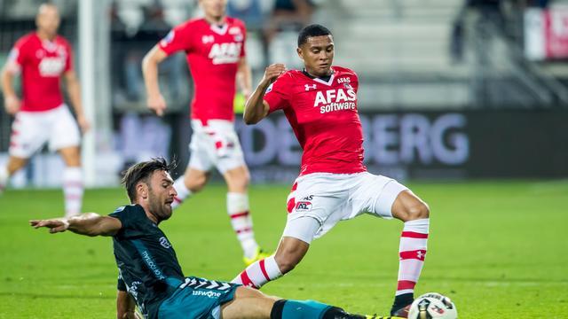 AZ geeft zege uit handen tegen Go Ahead na 2-0 voorsprong